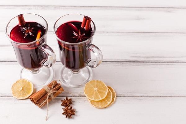 Minuman Mulled Wine Asal Italia
