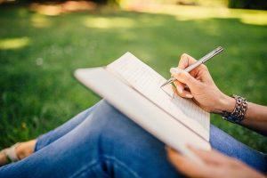 Read more about the article Membutuhkan Penulis Artikel Berbakat Langsung Kerja