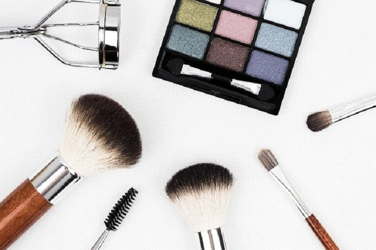 9 Produk Make-Up Natural Murah Untuk Pemula dan Remaja