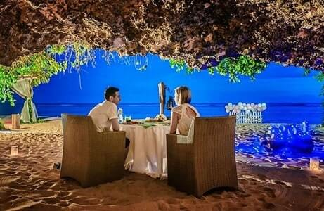 Cave Dining at The Samabe